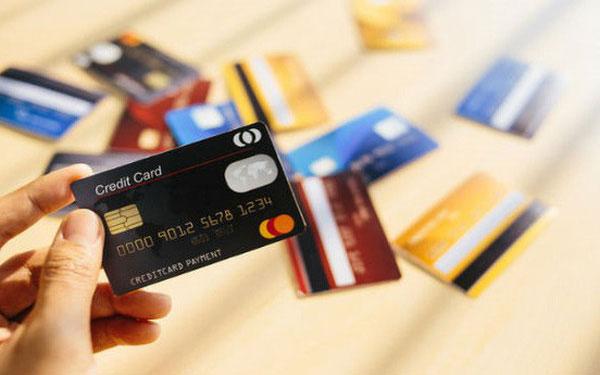 Thẻ tín dụng quốc tế có thể giao dịch được cả trong nước và nước ngoài