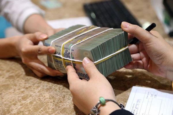 Vay tiền ngân hàng lãi suất thấp