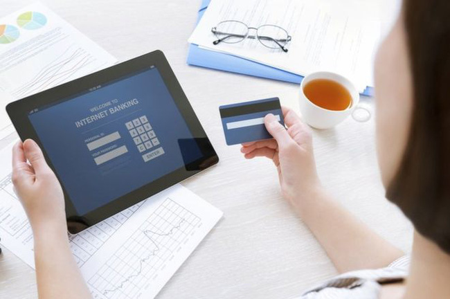 """4 bí kíp """"thần thánh"""" giúp bạn kiểm tra số dư tài khoản Sacombank dễ dàng hơn bao giờ hết"""