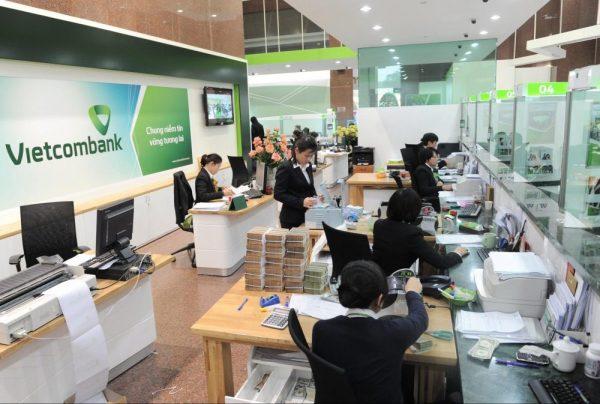 Tra cứu thông tin tài khoản Vietcombank qua tổng đài chăm sóc khách hàng