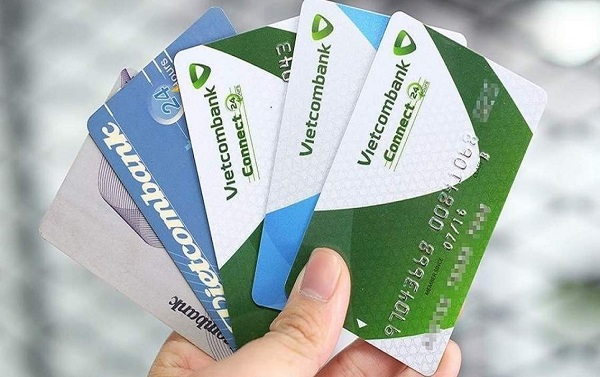 Ngân hàng Vietcombank phát hành nhiều loại thẻ ATM khác nhau