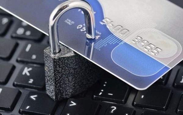 Gọi đường dây nóng ngân hàng Agribank để khóa thẻ khi bị mất cắp