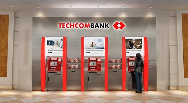 Thực hiện chuyển khoản qua cây ATM diễn ra rất nhanh chóng
