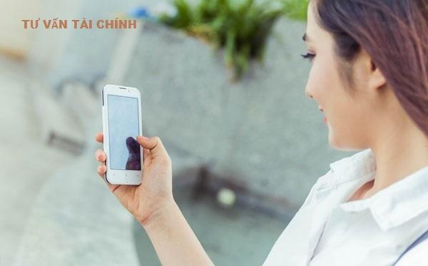 Khách hàng có thể gọi điện lên tổng đài tra cứu số tài khoản Agribank